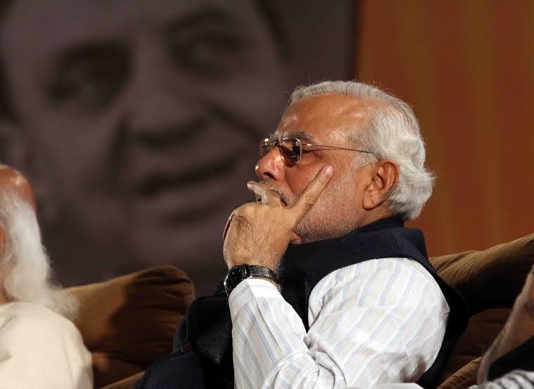 PM greets people of Gujarat on Gujarat Diwas
