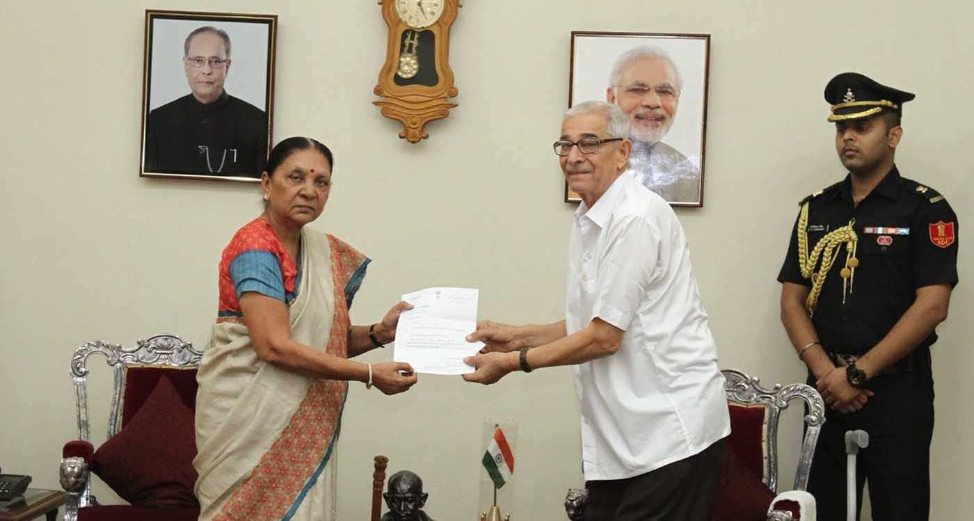 Gujarat Chief Minister Anandiben Patel submits her resignation to Governor